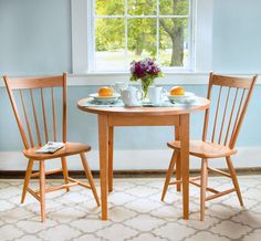 Our Classic Round Shaker Dining Table is ideal for small dining rooms and small kitchens. #SmallSpaceHack