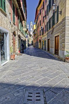 A passeggio per il centro storico di Ovada (Piemonte, Alessandria - Italia) I campanili di Ovada by Cristina Rocca on 500px