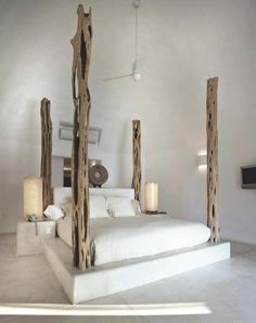 Amazing things to do with droftwood. Driftwood style bed posts at one of the original Costa Careyes houses,  designed by the renowned Mexican architect Diego Villasignor in the Careyes resort, Mexico.