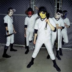My Chemical Romance <<< what the fuck is this what is going on <<< emo baseball? Emo Bands, Music Bands, Mcr Band, Dear Evan Hansen Book, Ray Toro, Mikey Way, Black Parade, Frank Iero, Gerard Way