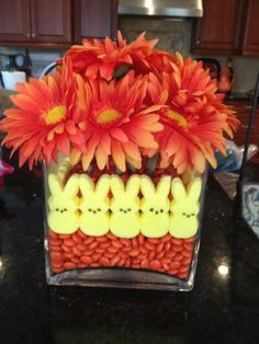 Such a simple idea for a holiday center piece for Easter.  LOVE it!!!  Great way to use stale peeps, lol.