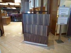 Fertigstellung  Empfangspult Eingang Restaurant Restaurant, Entrance, Divider, Desk, Room, Furniture, Home Decor, Front Desk, Interior Designing