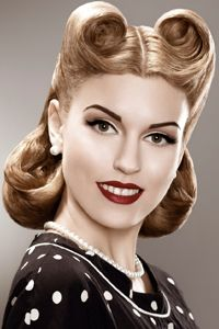1950s Hairstyle, make up and jewellery