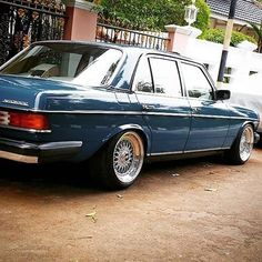 #maseraticlassiccars Old Mercedes, Mercedes Benz 190, Classic Mercedes, Custom Mercedes, Merc Benz, Mercedez Benz, Old School Cars, Retro Cars, Cool Cars