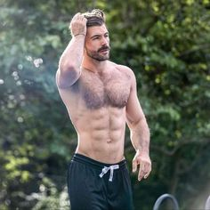 New week. New mindset. No excuses! No matter what you're going through, a rough time or not, keep it up to reach your goals. Hairy Hunks, Hairy Men, Ripped Body, Scruffy Men, Fitness Inspiration Body, Bear Men, Hairy Chest, Shirtless Men, Thing 1