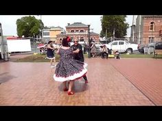 Camperdown Cruise 2014 - dancing at the clock tower - YouTube