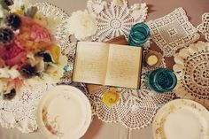 Life of a Vintage Lover: Decorating With Doilies