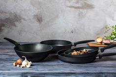 Slik velger du riktig stekepanne til ditt bruk Den, Kitchen, Lifestyle, Store, Cooking, Kitchens, Larger, Cuisine, Shop