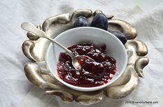 Gem de prune reteta clasica, asa cum se prepara la noi in casa. Este aproape o dulceata de prune pentru ca raportul zahar/prune este de 1/1 si mai raman si
