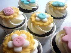 "Button Cupcakes (great for ""cute as a button"" baby showers)"