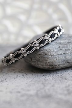 Leather Jewelry, Wire Jewelry, Copper Cuff, Diy Art, Friendship Bracelets, Celtic, Macrame, Bangles, Silver