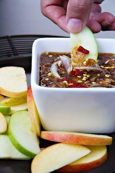 Nam-Pla Wan - Thai Sweet and Salty Fruit Dipping Sauce (น้ำปลาหวาน) - SheSimmers Thai Dipping Sauce, Spicy Sauce, Fish Sauce, Thai Recipes, Asian Recipes, Cooking Recipes, Sour Fruit, Dips, Cambodian Food