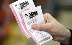 Pareja se gana un millón de dólares con boleto de lotería vendido por error