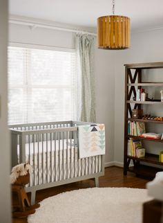 Warm, neutral nursery and maternity photos by Mandy Busby - 100 Layer Cakelet