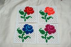 Perler Bead Designs, Hama Beads Design, Diy Perler Beads, Perler Bead Art, Perler Coasters, Fusion Beads, Daycare Crafts, Beaded Flowers, Bead Crafts