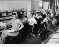 walt disney and The People that actually did all the work: animators (1931). Seated: Dave Hand, Johnny Cannon, Rudy Zamora, and Les Clark. Standing: Walt Disney, Tom Palmer, and Ben Sharpsteen.