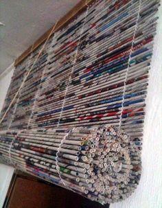 A felgyülemlett újságpapír roló készítésére is hasznosítható, ami - a képtől eltérőn - tetszés szerinti színre is festhető, sőt közé fűzött...