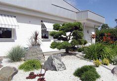 Marmorkross Mediterrano 500 kg Small Yard Landscaping, Driveway Landscaping, Landscaping With Rocks, Japanese Rock Garden, Japanese Garden Design, Zen Place, Flower Garden Plans, Pretty Landscapes, Rock Garden Design
