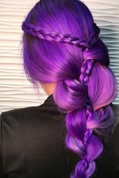 70 Tempting and Attractive Purple Hair Looks , Violet Hair Color With Stacked Braids ❤️ When you think about purple hair, you might love the look but hesitate if it fits your features. Violet Hair Colors, Hair Color Purple, New Hair Colors, Purple Streaks, Purple Balayage, Hair Color 2017, Christmas Hair, Hair Shades, Hair Trends