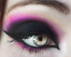 black purple eye make up Eye Makeup, Goth Makeup, Hair Makeup, Pink Makeup, Makeup Tips, Winged Eyeliner Tricks, Halo, Eye Art, Costume Makeup