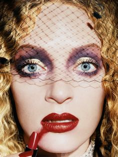Famous Portrait Photographers - David LaChapelle | Uma Thurman