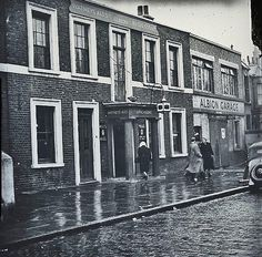 Albion pub 10 Thornhill Road, Islington N1 The address is 4 Thornhill Road in 1862 and earlier, prior to street renumbering. Listed at Albion road in 1866 ukpubhistory