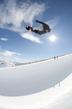 Iouri Podlarchikov  #snow   would like to try this flip, love snow boarding