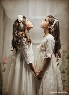 Holy Communion Dresses, First Communion, Girly Outfits, Kids Outfits, Barefoot Wedding, Moda Blog, Princess Photo, Wedding With Kids, Bridesmaid Dresses