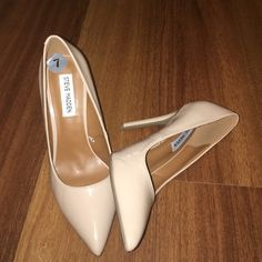 LIMITED TIME PRICE! Steve Madden tan pumps 7 Never been worn I'm thinking about taking back to store to exchange for something else today unless they are sold Steve Madden Shoes Heels