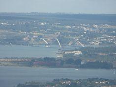 Aspecto Ambiental  - A vista do Lago Paranoá e a ponte JK , é mais um atributo Ambiental para os visitantes da torre de TV.
