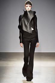 #gareth #pugh #fashion #runway #haute #couture #noir #black #dark #alternative #futuristic #gothic #nu goth