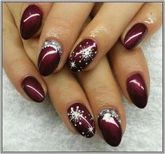 36 classy winter nails art design to inspire winter nail designs, winter na Classy Nail Designs, Colorful Nail Designs, Toe Nail Designs, Acrylic Nail Designs, Nails Design, Design Design, Christmas Nail Art Designs, Winter Nail Designs, Winter Nail Art