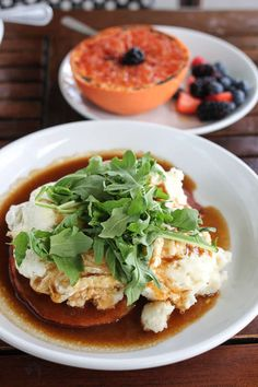20 Best Breakfast & Brunch Spots in Austin Southern Breakfast, Best Breakfast, Cheese Grits, Cheddar Cheese, Austin Brunch, Ham Steaks, Brunch Spots, Mac And Cheese, Thai Red Curry