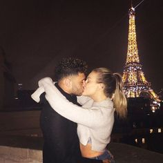 Perrie Edwards goes public with Alex Oxlade-Chamberlain in kissing photo