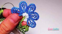 Gözenekli Çiçekli Tığ Oyası Modeli Yapılışı Videolu Anlatımlı #elişi #örgü #moda Tatting, Knitted Flowers, Crochet Borders, Crochet Videos, Diy And Crafts, Crochet Earrings, Lace, Jewelry, Compost