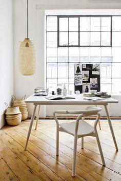 Scandinavian Retreat - Wooden floors ,great windows!