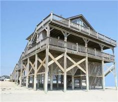 3 Baths (K(M), K, Q, 2B, 2S)  Set sail for the perfect vacation at The Black Pearl.  This oceanfront beauty is the queen of the Rodanthe vacation ...
