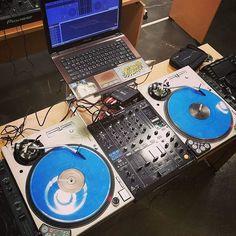 1분에 10년 녹이기 본격 스크래치 트랙을 만들어보자!  #turntable #turntablism #originality  #technics #serato #vinyl #dj #pioneer #scratch #recording by myo_official http://ift.tt/1HNGVsC