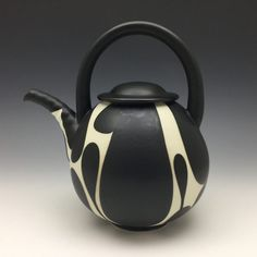 2020 Gallery – Ceramic Arts Network – Famous Last Words Ceramic Teapots, Ceramic Bowls, Ceramic Pottery, Ceramic Art, Ceramic Pinch Pots, Ceramics Monthly, Pink Rims, Wheel Thrown Pottery, Pottery Designs