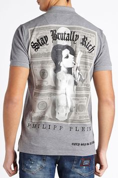 Beautiful polo with Philipp Plein razor plaque on the front that add even more style and elegance to this piece. Wear it with jeans and a leather jacket to get the perfect look. Browse the complete Philipp Plein collection online at Boudi UK. Philipp Plein is pure luxury with his latest Menswear Collection embodying the designers rebel streak, and glamorous ideals making thePhilipp Plein brand instantly recognisable.  FW14-HM351262
