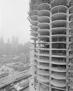 Marina City construction over Wacker Drive and the Chicago River c. 1962