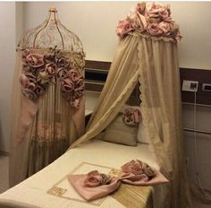 Hastane odası Baby Bedroom, Baby Room Decor, Baby Going Home Outfit, Newborn Baby Hospital, Baby Event, Baby Bassinet, Chic Baby, Little Girl Rooms, Boy Room