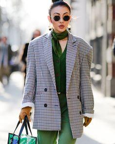 Street Style at Paris Fashion Week Fall 2018 Ready to Wear
