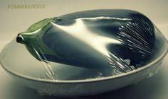 Jugando a las cocinitas: Truco de la berenjena, cocinada al microondas