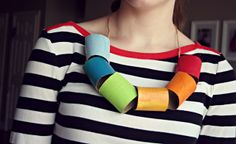 giant colorful necklace w/ toilet paper rolls Holiday Crafts For Kids, Diy For Kids, Cool Kids, Preschool Church Crafts, Preschool Art, Papier Diy, Cup Crafts, Kids Party Decorations, Diy Couture