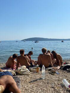 Summer 3, Summer Dream, Summer Vibes, Teenage Love, Teenage Dream, Beach Friends, European Summer, Beach Aesthetic, Coming Of Age