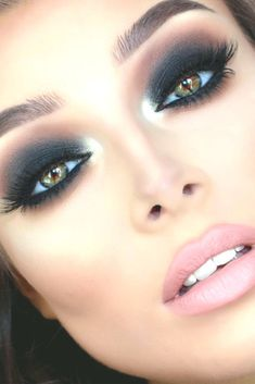 Amazing Wedding Makeup Tips – Makeup Design Ideas Fresh Wedding Makeup, Wedding Makeup Looks, Bridal Makeup, Prom Makeup, Maquillaje Smokey Eyes, Smokey Eye Makeup, Silvester Make Up, Make Up Designs, Colorful Makeup