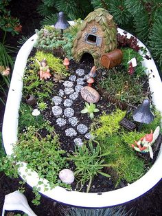 Old bathtub Fairy Garden
