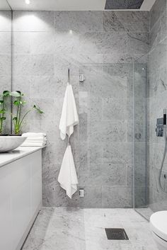 After the main function has been done, bathroom interior design is the second variable that should be considered seriously, because the bathroom design you choose will affect your mood everyday. Bathroom Renos, Grey Bathrooms, Laundry In Bathroom, Beautiful Bathrooms, Bathroom Renovations, Modern Bathroom, Master Bathroom, Bathroom Ideas, Bathroom Vanities