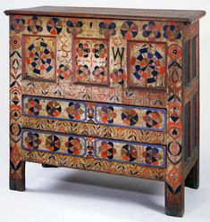 SW Joined Chest c 1695-1720,oak and pine,made in Hadley,Massachusetts